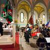 Dimanche 22 avril 2012, la messe du dimanche matin.<br /> La messe de 10h est donnée avec tous les choeurs de l'Association Saint-Henri (et la  Cécilienne d'Oron). Le début de la messe avec l'arrivée des drapeaux des choeurs paroissiaux.