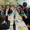 Dimanche 22 avril 2012, dans la salle polyvalente, le banquet officiel qui suit la messe rassemble plus de 500 participants. Ssssssssssssssantééééé!
