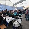 Samedi 21 avril 2012, Promasens: le marché artisanal des Céciliennes se déroule de 11h à 17h entre la salle polyvalente et l'église. Du monde sous la cantine à midi.