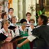 Samedi 21 avril 2012, concert des choeurs paroissiaux. Ici, le choeur mixte du Crêt sous la direction de Jean-Daniel Sciboz.