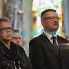 Dimanche 22 avril 2012, la messe du dimanche matin.<br /> La messe de 10h est donnée avec tous les choeurs de l'Association Saint-Henri (et la  Cécilienne d'Oron). Ici, le président du Conseil d'Etat fribourgeois Georges Godel (et président du comité d'organisation) et son épouse.
