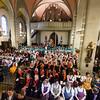 Dimanche 22 avril 2012, la messe du dimanche matin.<br /> La messe de 10h est donnée avec tous les choeurs de l'Association Saint-Henri (et la  Cécilienne d'Oron). L'église de Promasens pleine comme un oeuf.