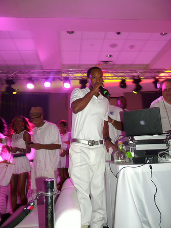 C. Givens All White Affair III 14' {pics by Ken Terry}