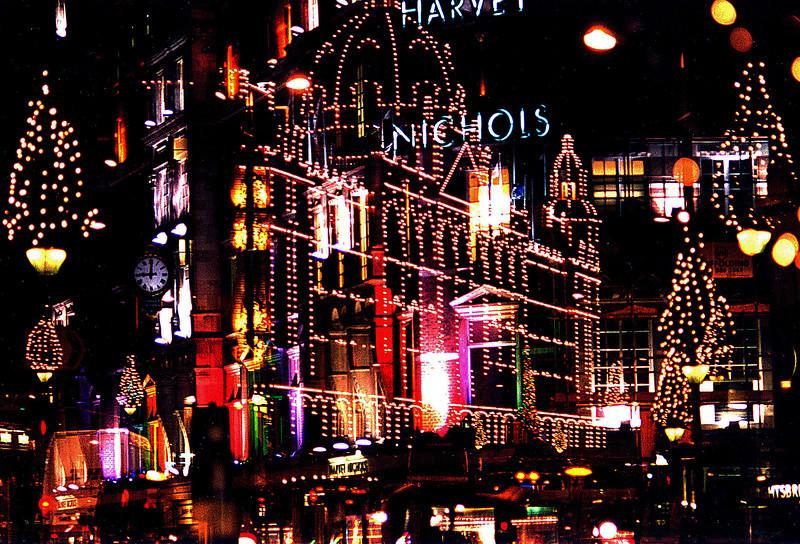 CHRISTMAS IN LONDON, HARRODS/HARVEY NICHOLS- ETC.