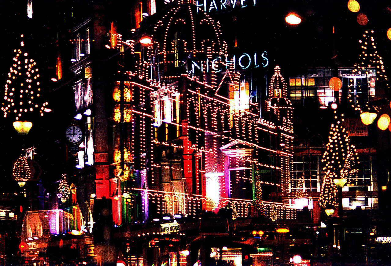 CHRISTMAS IN LONDON, HARRODS/HARVEY NICHOLS- ETC.