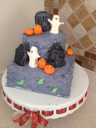 2014 10 - Halloween Cake (1)