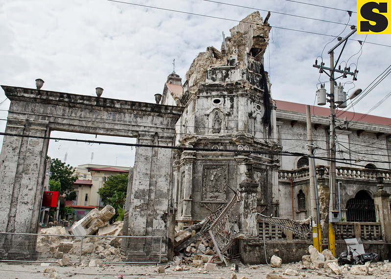 The century old belfry of Basilica del Santo Nino in Cebu City was damaged during Tuesday's earthquake. (Jojo Abcede/Sun.Star)
