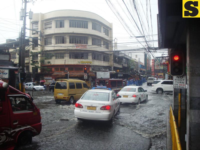 Vehicles heading downtown of Cebu City