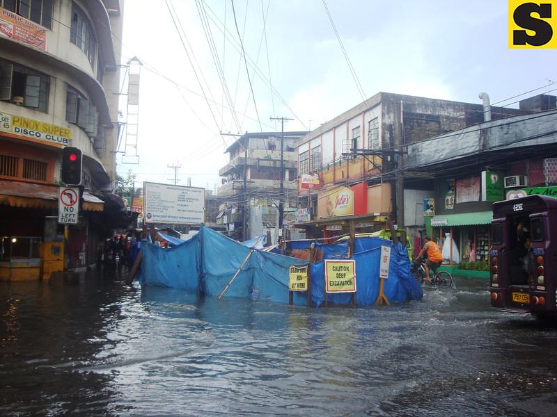 Road construction amid flooding in Cebu City