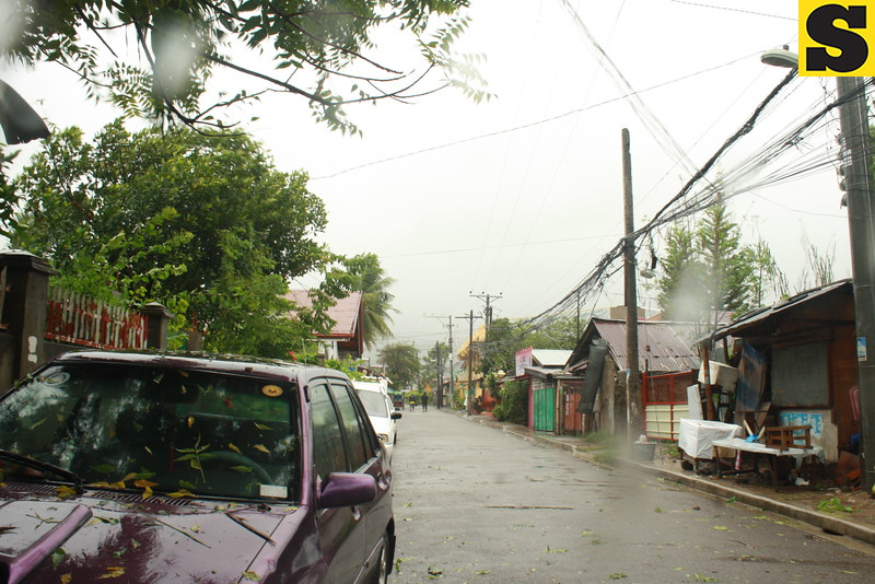 CEBU. Typhoon Yolanda (international name: Haiyan) battered provinces in the Visayas on Friday. Strong winds were also felt in Barangay Cogon, Pardo, Cebu City. (Buen Josef Andrade/Sunnex)