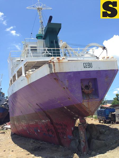 Vessel washed ashore in Tacloban by Yolanda