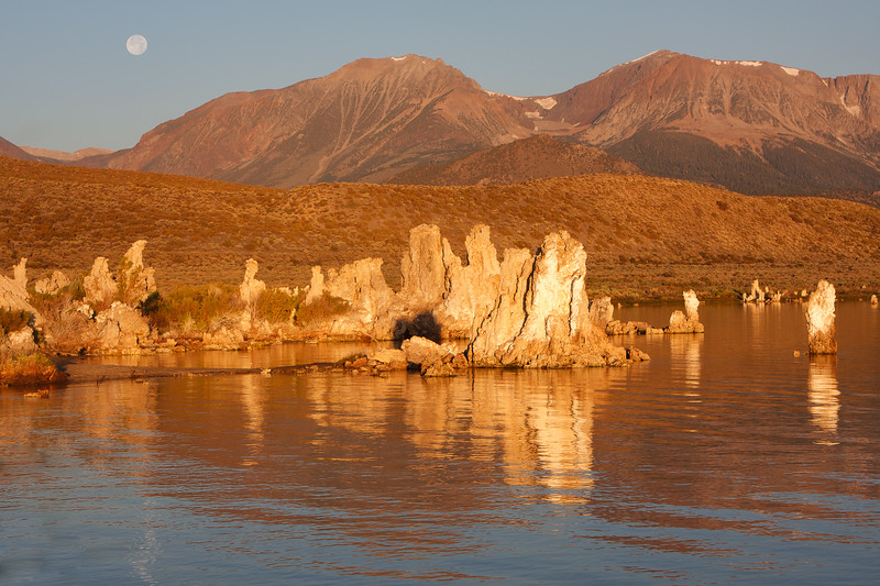 Mono Lake sunrise-moonset_