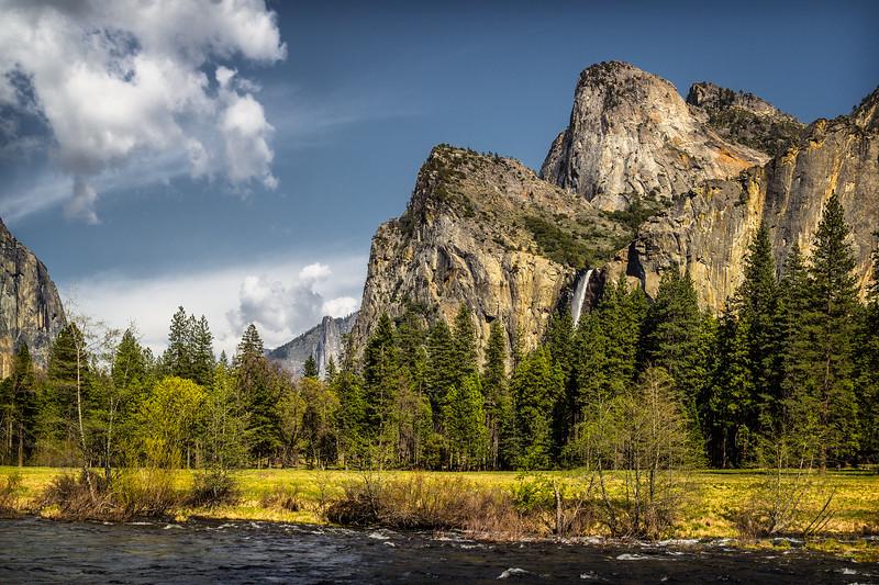 Yosemite Bridalveil Fall View