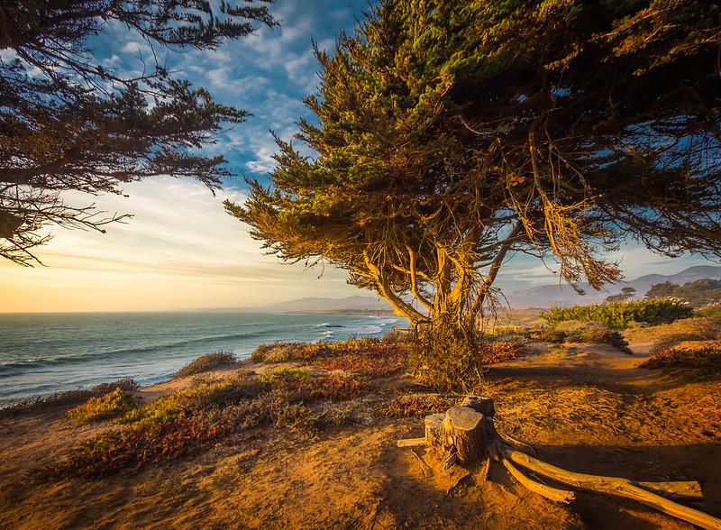 Sunset at Moonstone Beach (California)