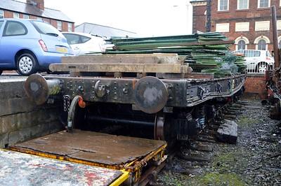M181411/3188 50t Bogie Warflat at Oswestry   28/11/15