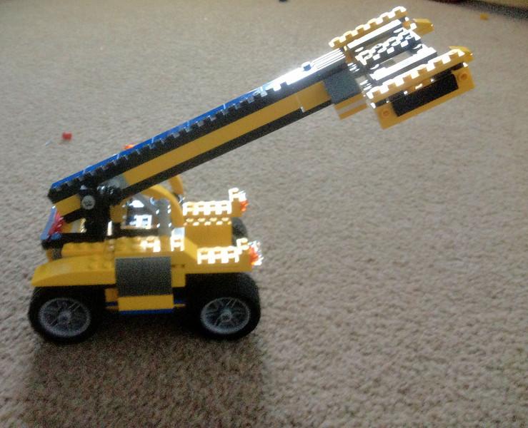 Lego crane done