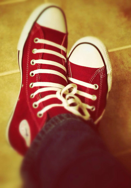 iPhonography<br /> <br /> Loving my new Chucks. :)