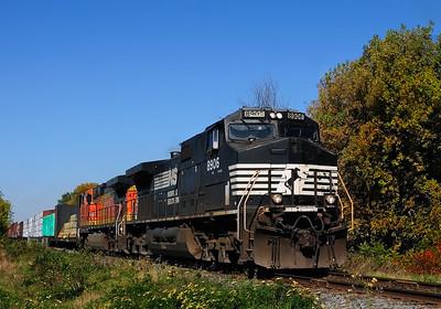 Canadian National #528 L'Acadie Qc September 26 2014.