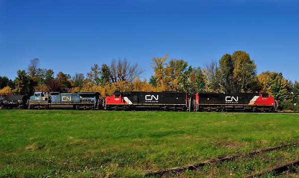 Canadian National #326/CSXT Q621 Huntingdon Qc September 26 2014.