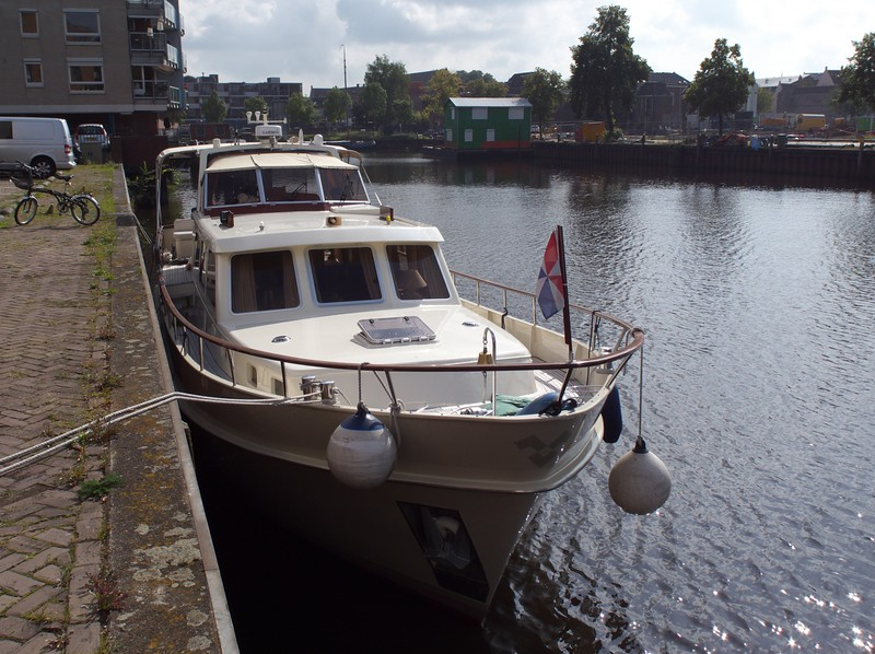 Because they were already under way, our rendezvous with David & Roberta was where they had docked for the night.