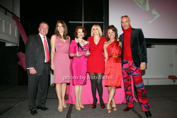 Al Smith, Elizabeth Hurley, Evelyn H. Lauder, Marisa Acocella Marchetto, Robert Verdi<br /> photo by R.Cole for   Rob Rich © 2009 robwayne1@aol.com 516-676-3939