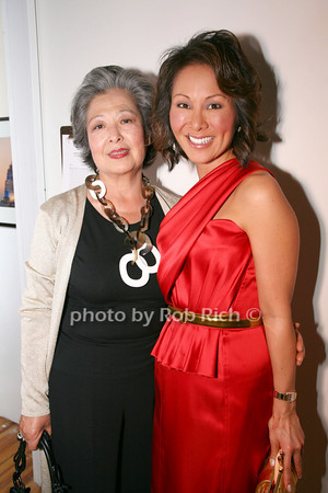 Kim Cho, Alina Cho photo by R.Cole for   Rob Rich © 2009 robwayne1@aol.com 516-676-3939