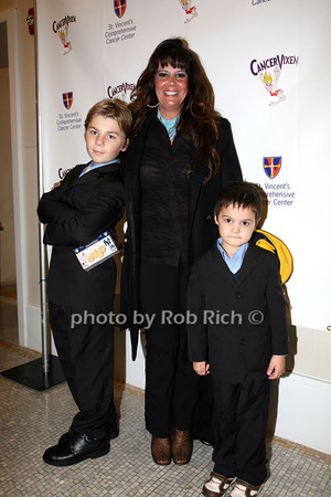 Johnny D'Antuono, Dina Acocella, Vinnie Acocella photo by R.Cole for   Rob Rich © 2009 robwayne1@aol.com 516-676-3939