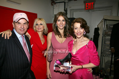 Tom Lampson, Marisa Acocella Marchetto, Elizabeth Hurley, Evelyn H. Lauder  photo by R.Cole for   Rob Rich © 2009 robwayne1@aol.com 516-676-3939