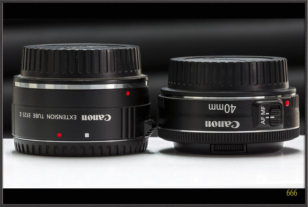 IMAGE: http://photos.corbi.eu/Other/Canon-EF-40mm-F28-STM/i-hkQNFk3/0/XL/40F2.8%20-%203%20copie-XL.jpg