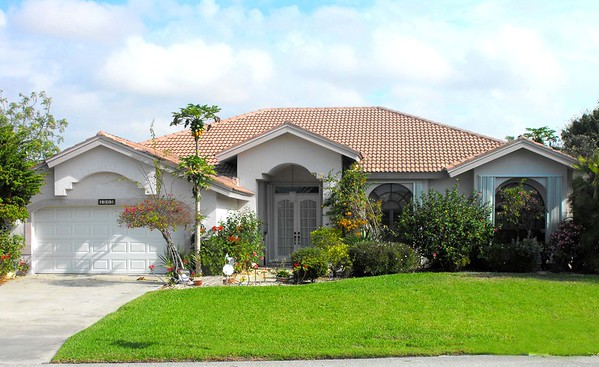 Cape Coral Homes For Sale, Presented by Roland Theis P.A. SW 10th Ave.Cape Coral, Florida
