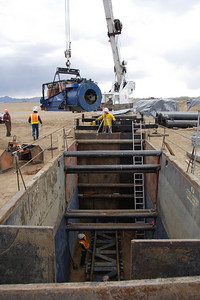 EQUIPMENT PLACEMENT, JACK AND BORE TUNNELING OPERATIONS Southern California, 2007