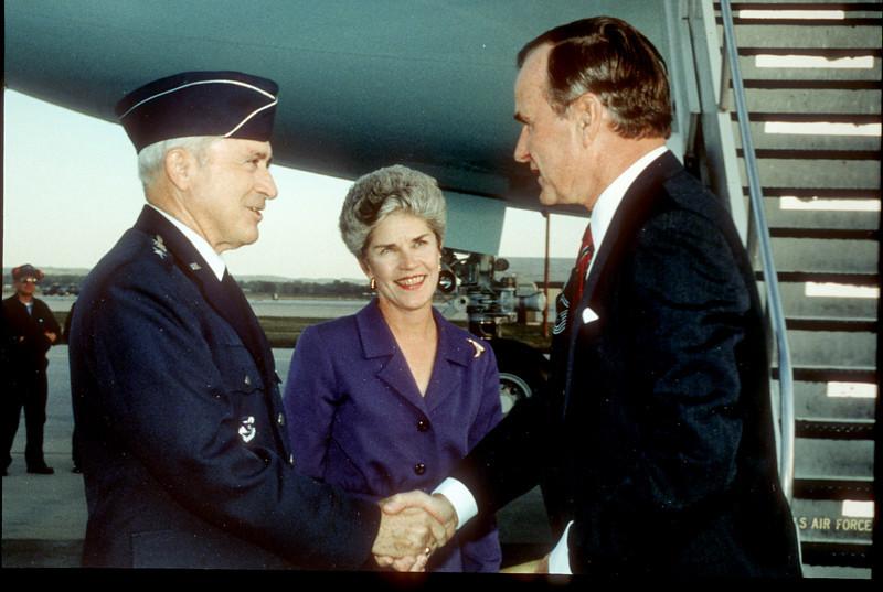 31_Hosting President Bush_with Governor Orr