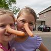 Daniëlla en Lotte als Pinokkio.