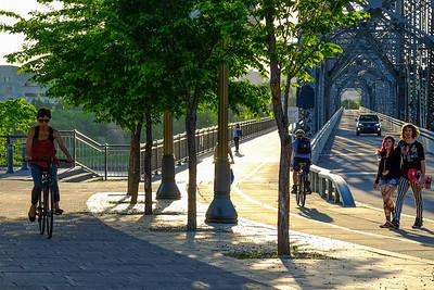 Commuters enjoying early summer on the Alexandria Bridge