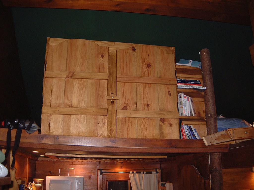 Cupboard & Shelves