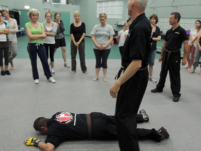 Free Women's Self Defence Course Nov 2012 007