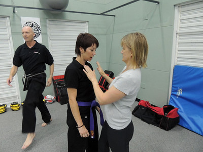 Free Women's Self Defence Course Nov 2012 021