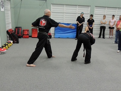 Free Women's Self Defence Course Nov 2012 003