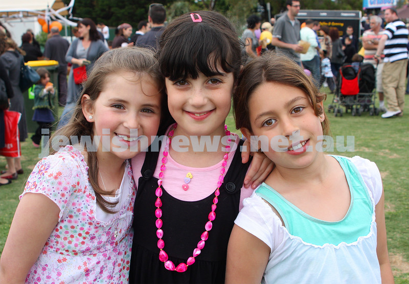 Chanukah in Caulfield Park 2009. From left: Yael Gosling, Elli Wyman, Jemma Cher. photo: Peter Haskin