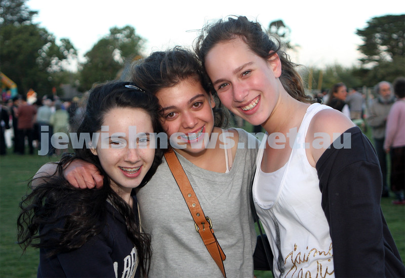 13/12/09. Chanukah in Caulfield Park 2009. From left: Kerri Spilkin, Olivia Sackville, Jasmine Winecier. Photo: Peter Haskin