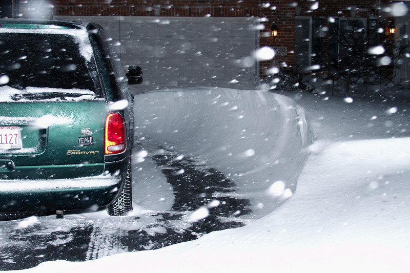 Those new tires on the Caravan have paid for themselves already--they grip very well in this snow.