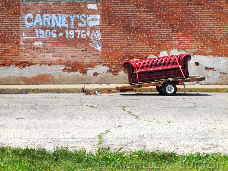 Couch on the Move<br /> Lincoln Highway<br /> Rochelle, IL