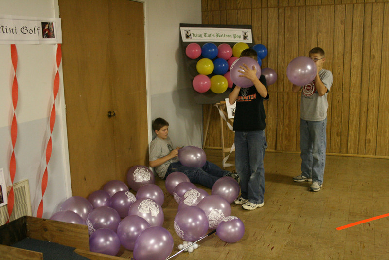 Blowing up balloons for the dart game