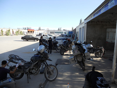 Muza takes us to a place in Kashgar where everyone can get their bike niggles sorted.