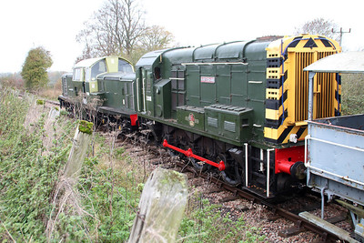Class 17 D8568 & D3018 at Thame Park Jct on an engineers train.