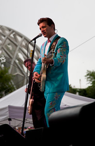 Despite the rain, Chris Isaak played a strong set of originals and covers -- plenty of them -- on Friday night at the Denver Botanic Gardens. Photos by Nathan Iverson, heyreverb.com