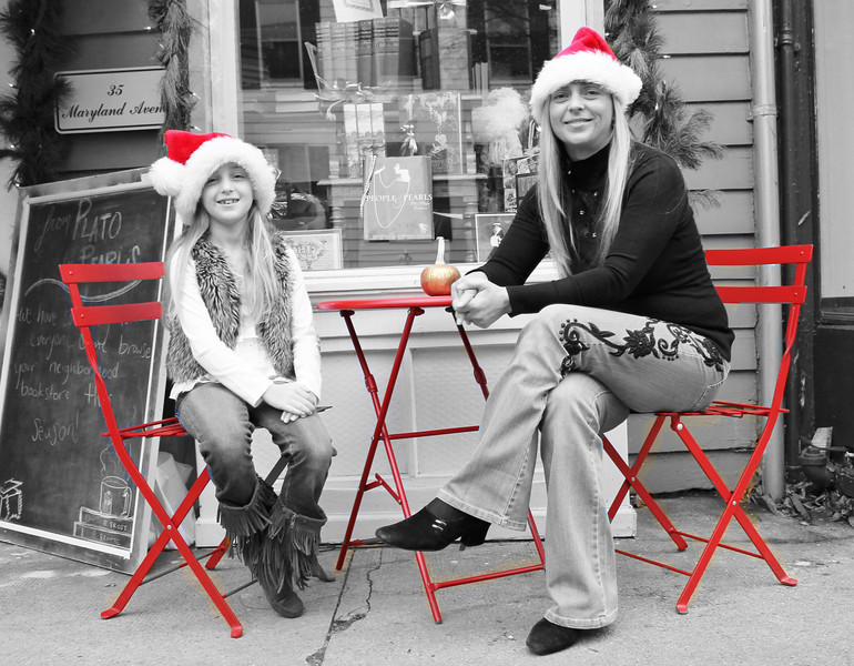 Maryland Ave is a hidden gem and these two were so fun to photograph! 12.8.12