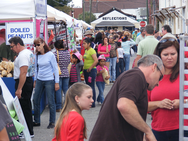 Thousands of people from all around made their way to Live Oak on Saturday for one of the city's biggest events