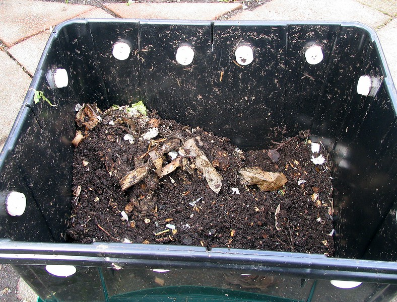 Finished compost can be expected in 3-4 months.