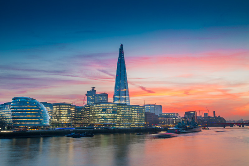Shard with a red Sky